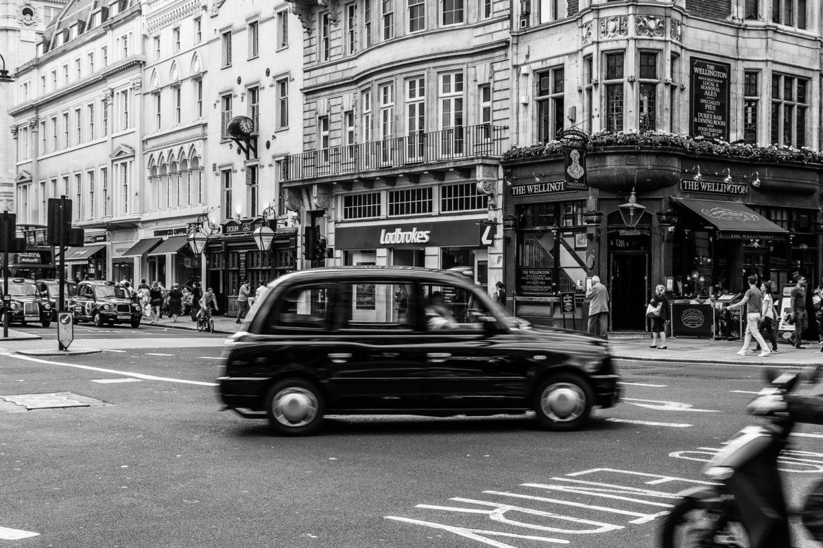 Jak poruszać się po Manchesterze. Część czwarta: taxi.