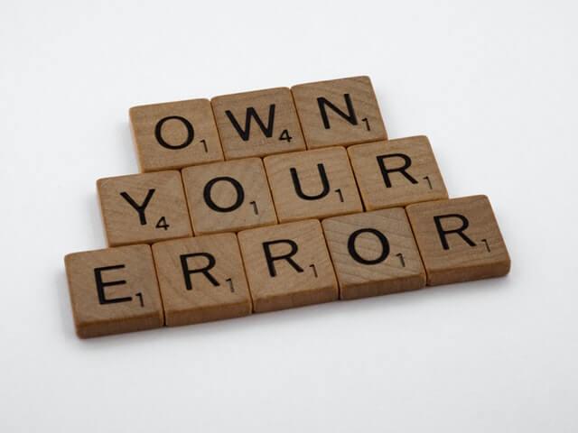 """Zdjęcie z napisem """"Own your error"""""""